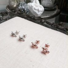 【Small knot】ピアス