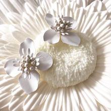 【Pure white flowers】ピアス&イヤリング