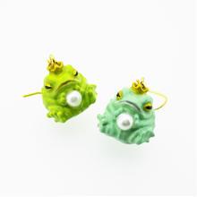 カエルの王子様ピアス 緑(イヤリング交換可能)(片耳)