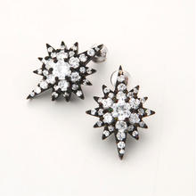 Southern Cross pierced earring-black