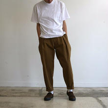 TUCK WIDE TROUSERS