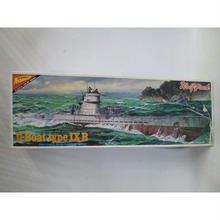 【中古】【未組立】 1/200 ドイツ海軍潜水艦 U107 Uボート タイプ9B  183-17SK