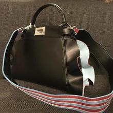 フリル本革バッグ 23cm Black×フリル裏水色