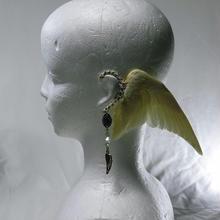 翼イヤーフック(クリーム色)