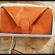 fes カウレザー 財布
