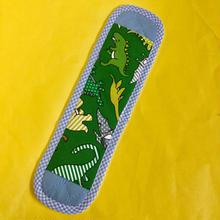 水筒肩紐カバー・恐竜(緑)×水色チェック