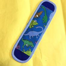 水筒肩紐カバー・恐竜(青)×水色チェック