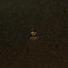 ゴールドピアス ピースマーク K18 ダイヤ
