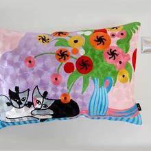 刺繍クッション(40×60) ロジーナ「花とネコ」 商品番号:is1087-rc-60