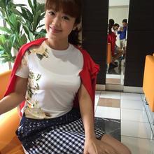 バラモチーフTシャツ