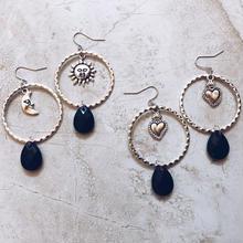 silver ring black drop pierce