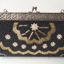 【バッグ】アールデコ調の黒地ビーズバッグ