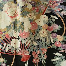 【袷・アウトレット】 扇に四季の花々柄の黒留袖