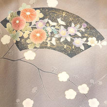 【単衣・アウトレット】 利休色花々に扇文附下
