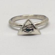 ピラミッドEYE RING(エメラルド)
