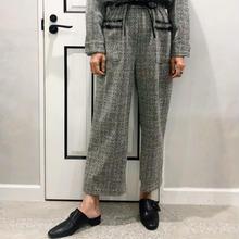 simple design slip-on (black)