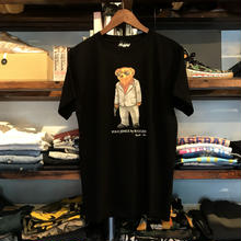 "【残り僅か】RUGGED ""POLO JINGI"" tee (Black/Suits)"