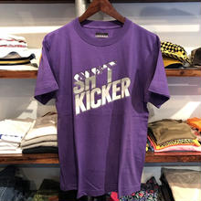 "【残り僅か】SH*T KICKER ""95"" tee (Purple)"
