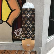 MHAK ART WORKS skates deck
