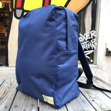 【残り僅か】RUGGED plain backpack(Navy/White)