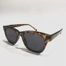 """【ラス1】RUGGED """"flat lens type tortoiseshell"""" sunglasses(Brown)"""