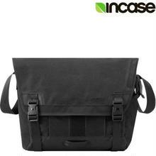 【ラス1】Incase chrome slider Messenger Bag