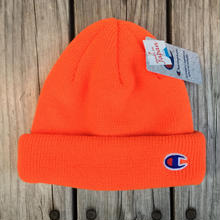 【残り僅か】Champion C WAPPEN BEANIE (Orange)