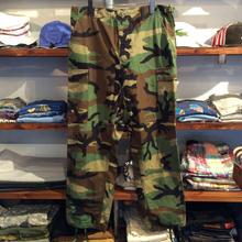 Military  camo cargo pants  (M)