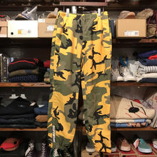 Supreme 17FW nylon camo pants (M)