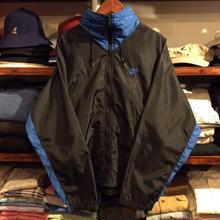 NIKE zip-up nylon jacket (M)