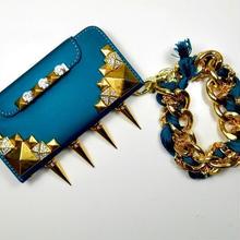 [YS036] iPhone5 /5s ケース ハード スパイク付 ゴールド スタッズ リストレット チェーン 付属 財布