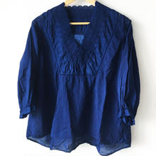 indigo-dyed v-neck blouse / 03-7208003