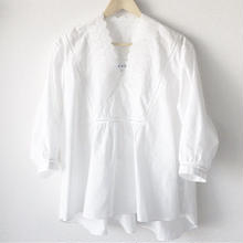 v-neck blouse / 03-8108001