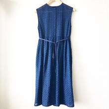 indigo-dyed sleeveless gathered op / 03-8105005