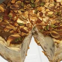 ごろごろナッツ・ベイクドチーズケーキ