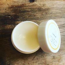 阿蘇の良質の馬油を使用したクリーム(無香料)