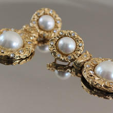 Vintage Earrings M06
