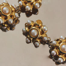 Vintage Earrings M06