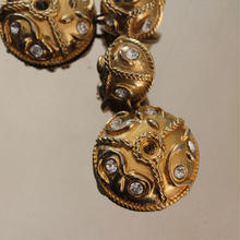 Vintage Earrings M11