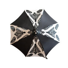 *SALE* ¥36,750→¥25,725 HSブラック&ホワイト刺繍傘
