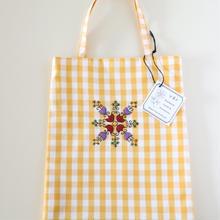 ハンガリー刺繍のミニバッグA