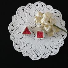 刺繍のイヤリング(ピンク 2個セット)