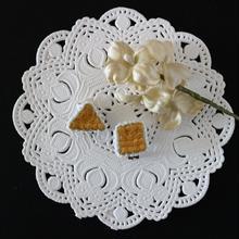 刺繍のイヤリング(黄色 2個セット)