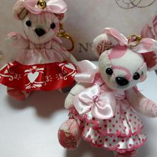 くまキーホルダー,ピンク水玉ドレス