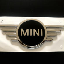 BMW MINI 純正 F54 ミニ クラブマン New ボンネット  エンブレム