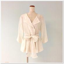 光沢ホワイト リボンベルトジャケット