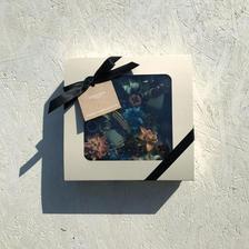 Box flower square