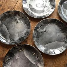 England 'ROYAL TUDOR'dinner plate