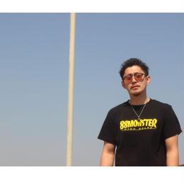 文字ロゴTシャツ 黒/黄