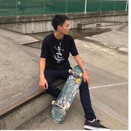 スカルスケーターTシャツ 黒/白
